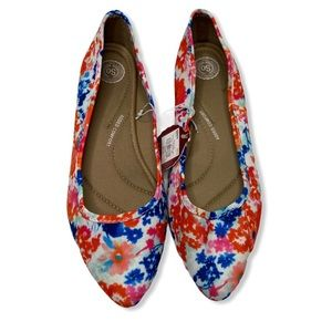Kohl's SO Brand Floral Pointed Toe Flats 10 NWT